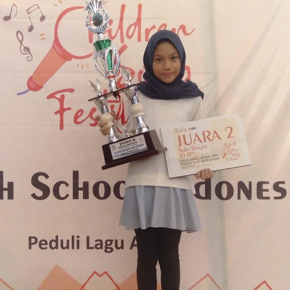 Dimi Adamantia Juara 2 dalam acara Alfath children song festival di Alfath Cirendeu 23 Februari 2019